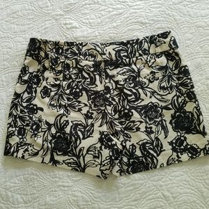 LOFT Shorts - Ann Taylor Loft black and white floral print Short